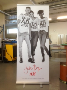 H&M roll-up